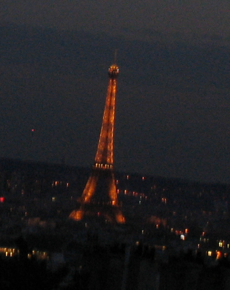 Eiffelturm-bei-Nacht